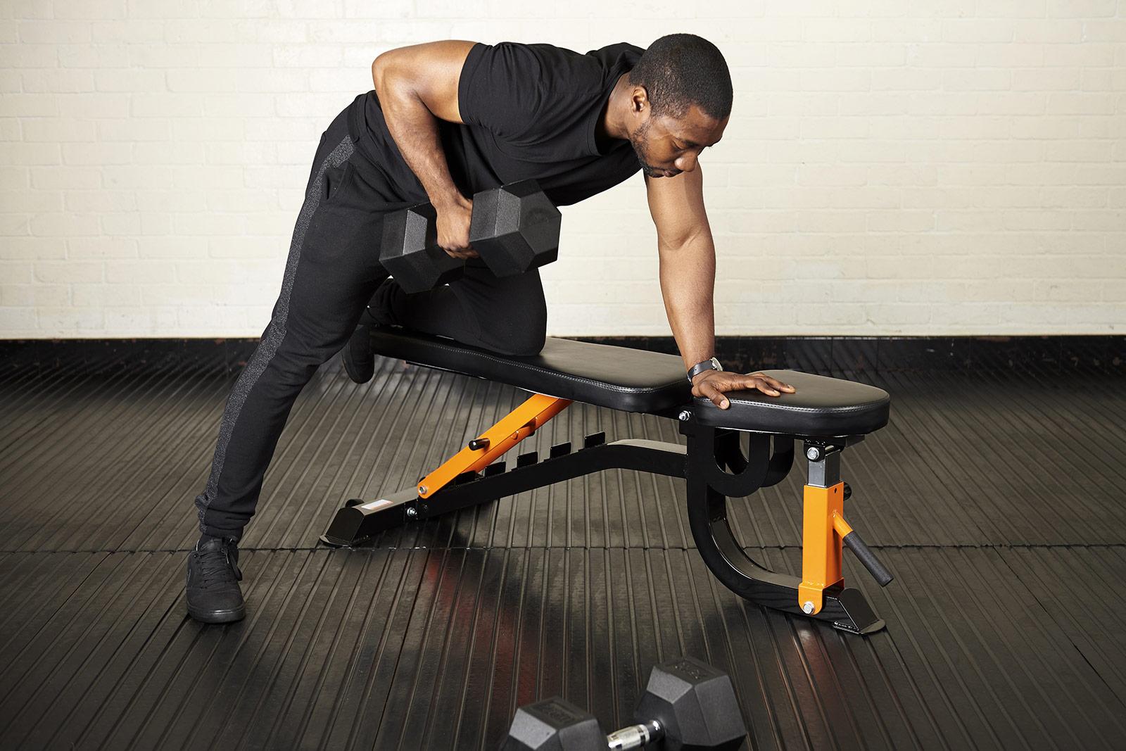 Тяга гантелей в наклоне: техника выполнения упражнения.