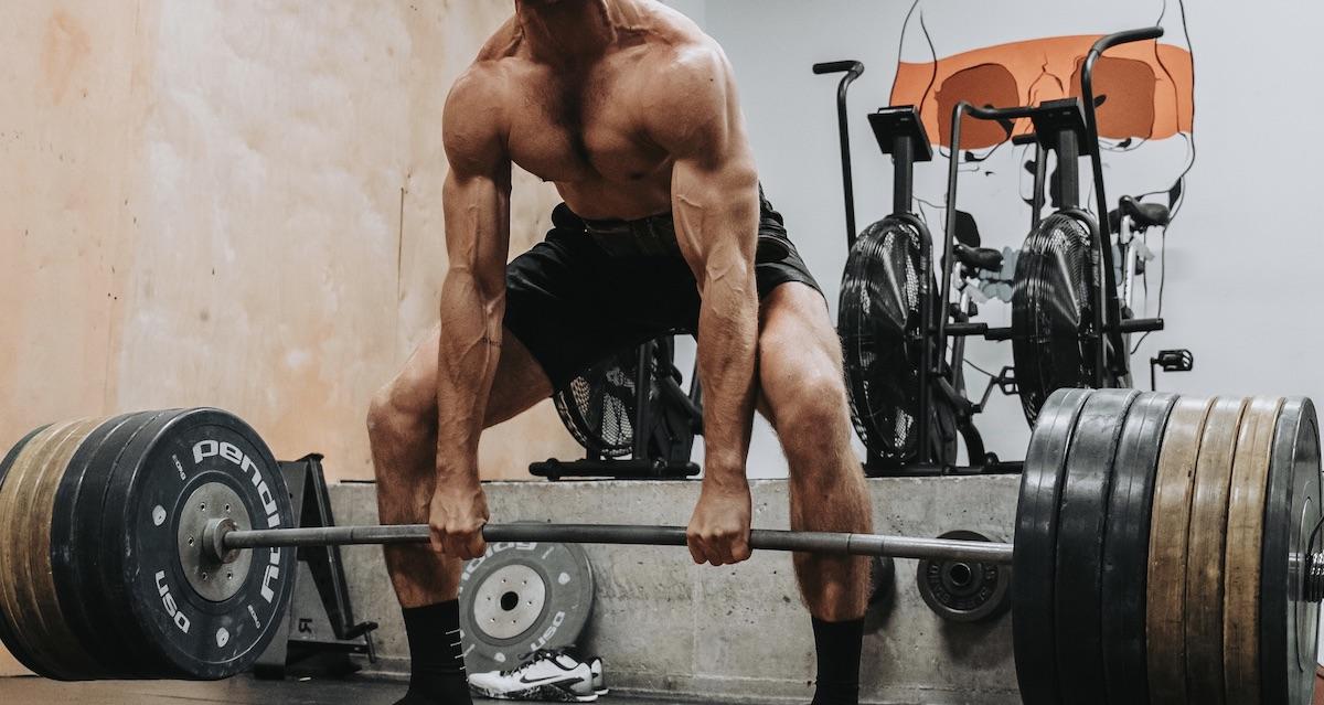 Становая тяга сумо: особенности выполнения упражнения.